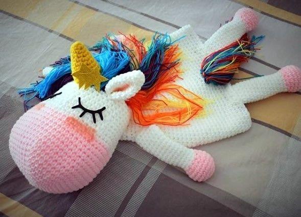 Unicornio guarda pijamas a crochet