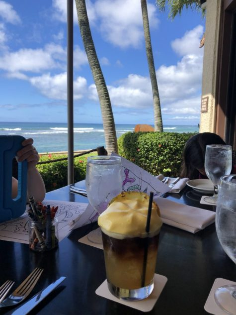 Mai Tai and views for days at The Beach House in Kauai, Hawaii #beachhouse #kauai #maitai #hawaii #hawaiifood #hawaiiwithkids