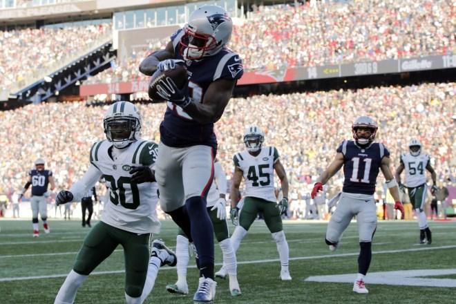 VIDEO: Inside the Locker Room – Patriots Celebrate Win Over The Jets