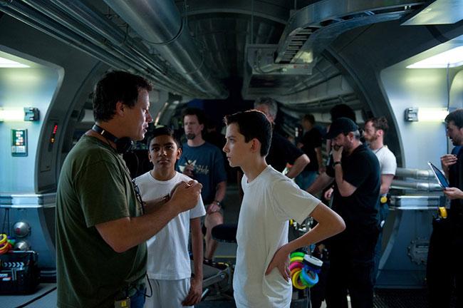 Gavin Hood ผนึกกำลังทีมสร้างไซไฟมือหนึ่งสร้าง Ender's Game
