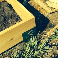 Metal raised bed corners make for quick, easy assembly.
