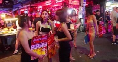 Pattaya Nightlife Strolling Avenue 2018