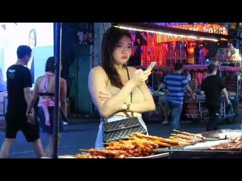 Pattaya Thailand Vacationer Attractions in Walking Avenue