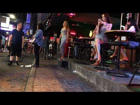 ladyboy Pattaya Walking avenue 2019 – April