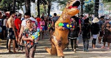 World's Greatest Water Battle ~ Songkran ~ Pattaya Thailand 4K