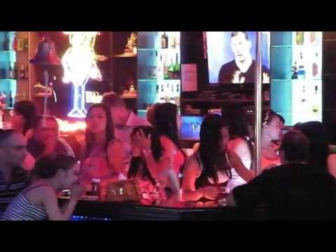 Pattaya Nightlife keen Beerbar Lady walking boulevard a gogo bar ladies