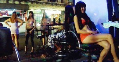 Pattaya Nightlife Internal Bar / Soi 7 and Beach Aspect twin carriageway