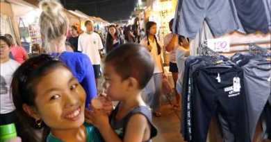 Pattaya night time market filled with ladies and vacationers