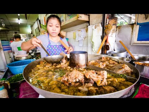 TOP 5 BEST THAI DISHES! | My Approved Thai Food in Bangkok, Thailand!