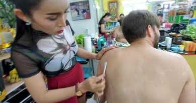 💈$3 Straight Razor BACK SHAVE by BEAUTIFUL LADYBOY in PATTAYA THAILAND at Nin Barber 🇹🇭 4K