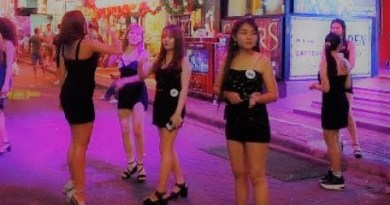 pattaya strolling boulevard girls saturday night