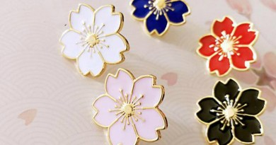 Qiaoyue The new 2019 sweet cherry blossom brooch Drip flower collar pin badges Clothing bags accessories Female accessories