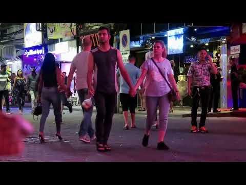 Pattaya Evening Activities in Strolling Avenue
