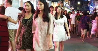 pattaya strolling avenue is strolling at night time