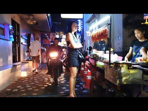 Pattaya Strolling Street and Soi Diamond at Evening Time