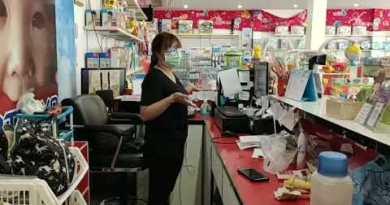 Thief caught on digicam stealing from Teens's retailer in Pattaya, Thailand