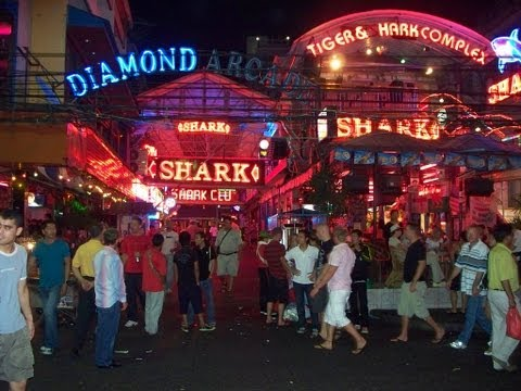 PATTAYA. – Nightlife, spherical the Strolling Avenue.