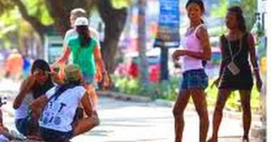[HD] Pattaya Shoreline Ladies, Katoeys, Hookers, Waterfun and Nightlife