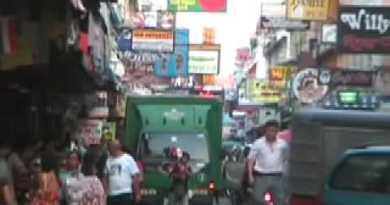 Pattaya – Strolling Avenue – Interview with Ladyboy