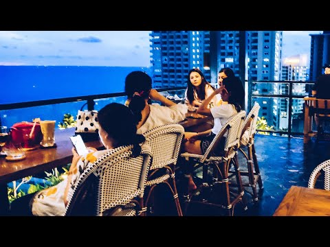 Pattaya Nightlife on Soi Buakhao & a ask at the Phenomenal Rooftop Bar  [July 23]