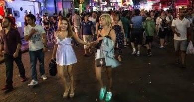 #Pattaya #Bangkok #Thailand Pattaya & Bangkok 11Pm to 5Am Ladyboy! How powerful? Thailand CHUTNEY MARY