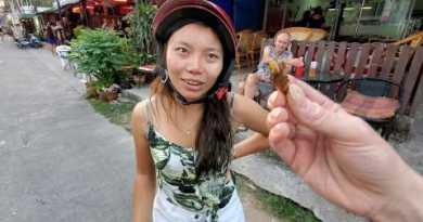 🇹🇭 $1.50 FRIED BUGS: Scorpions, Beatles, Locusts, Grasshoppers | STREET FOOD Pattaya Thailand 4K