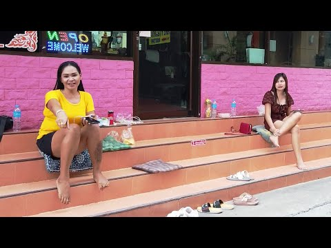 Pattaya Metropolis Stroll # 16 – Soi 13 to Seashore Freeway