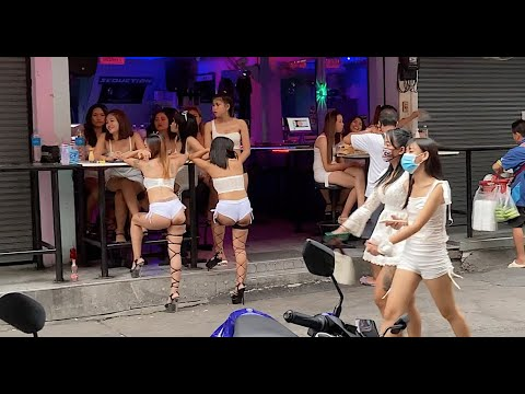 A Bar Girl On Soi 6 Broke My Digicam!  Pattaya Needs Tourists Again In Thailand (4K)