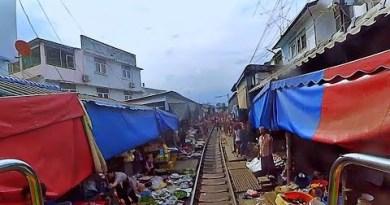 🔴 THAILAND LIVE TRAIN 24/7 &LIVE CHAT Cab Crawl to Mae Klong Railway Market! Prepare Driver's Live Watch