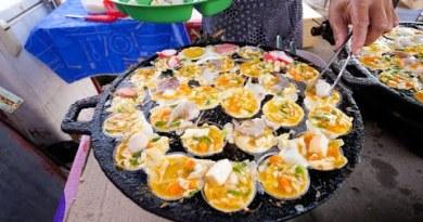 Asian Road Food – SEAFOOD PANCAKES!   Evening Market Food Tour in Satun, Thailand!