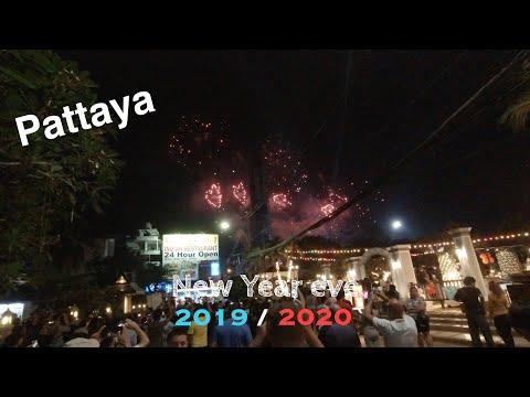 Pattaya New Year Eve 2020 – Strolling Facet street