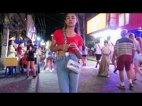 Round 4am Strolling Avenue Pattaya Thailand