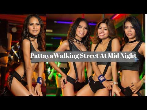 Pattaya Nightlife -Strolling Avenue At Midnight -Thailand Nightlife