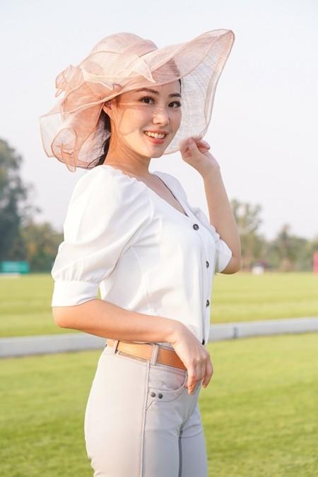 Narisa Kubota won the Best Hat Award.