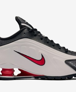 Nike Men's Shox R4 Life Style Sneakers