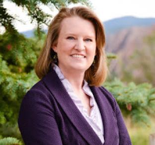 Photo of author Lyz Kelley