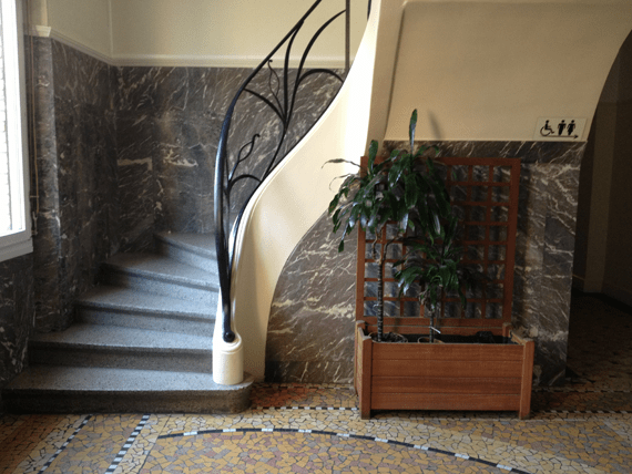 2_art_deco_staircase