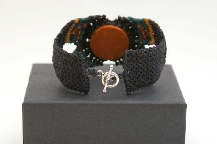 Pauline-Huard-design-textile-stylisme-illustration-graphisme-ANUDA-bracelet-3