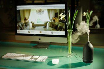 Anna Paghera Black Ultrasonic Aroma Diffuser