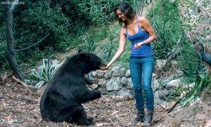 katie-chloe-the-bear