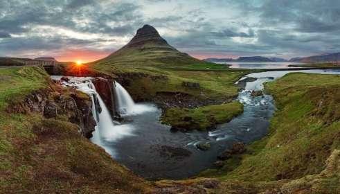 IJsland landschap ondergaanse zon