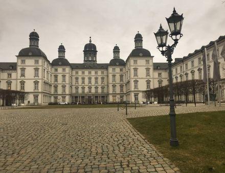 Althoff Grandhotel Schloss Bensberg vom Portal aus gesehen