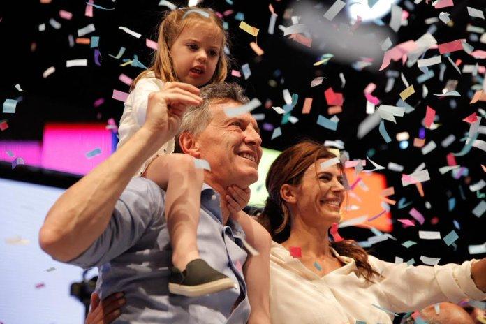 El alcalde porteño celebró junto a su esposa Juliana Awada y a su hija.