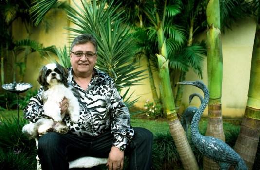En mayo tuvimos un mano a mano íntimo con Marcos Camino, Mister Cumbia, que nos contó su historia, que también es la de la cultura pop santafesina. Foto: Mauricio Centurión.