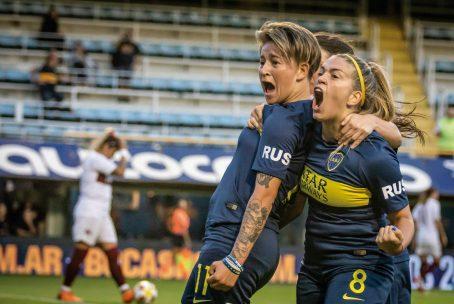 NICOLÁS CARDELLO CABA, 9 de marzo de 2019 Yamila Rodríguez y Camila Gómez Ares, del equipo femenino de fútbol femenino Las Gladiadoras, festejan el primer tanto donde Boca Jr. le ganó a Lanús por 5 a 0, en la Bombonera.