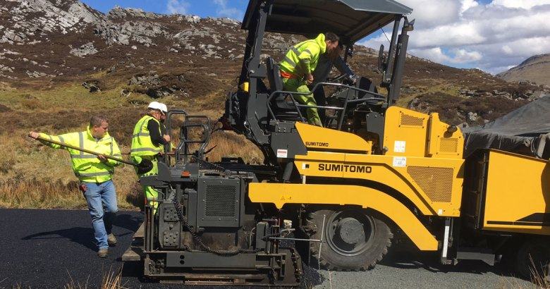 Using the Sumitomo HA60 6m screed asphalt paver to resurface the Wild Atlantic Way