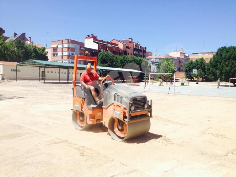 Construcción pista deportiva colegio