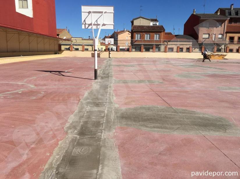 Estado inicial pavimento de colegio San Vicente de Paul, de Benavente, Zamora