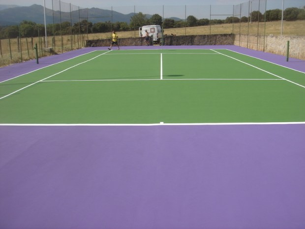 Reparación pista tenis
