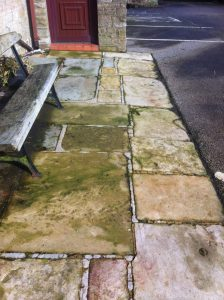 How to clean paving slabs with bleach water paving for Best way to clean slabs